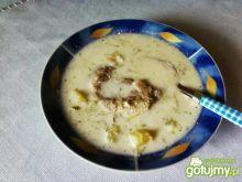 Zupa ogórkowa z wkładką.