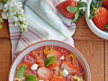 Zupa owocowa z makaronem i serkiem śmietankowym