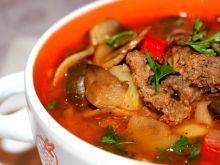 Zupa paprykowa na wołowinie