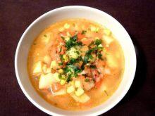 Zupa paprykowa z kukurydzą i ziemniakami