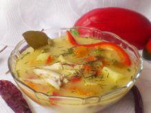 Zupa paprykowa z kurczakiem i serkiem topionym