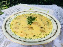 Zupa pieczarkowo - serowa z żytnimi kluskami