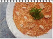 Zupa pomidorowa Eli z makaronem
