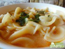 Zupa pomidorowa na porcji rosołowej
