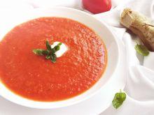 Zupa pomidorowa z imbirem i sokiem z jabłek