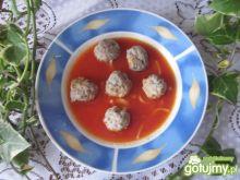 Zupa pomidorowa z kuleczkami mięsnymi