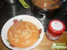 zupa pomidorowa z pesto