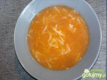 Zupa pomidorowa z tartymi warzywami
