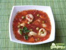 Zupa pomidorowa z tortellini z szynką