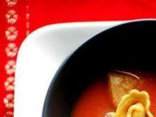 Zupa pomidorowa z tortellini z tofu