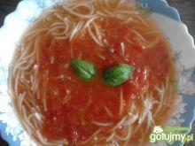 Zupa pomidorowo-bazyliowa