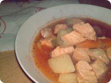 Zupa rybna z łososiem