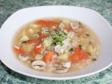 Zupa ryżanka z pieczarkami