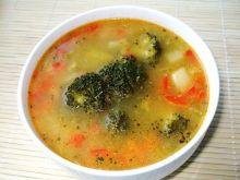 Zupa serowa z brokułem i papryką