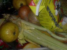 Zupa serowa z gruszką