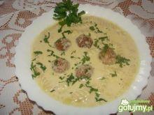Zupa serowa z klopsikami z indyka