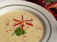 Zupa serowa z papryką