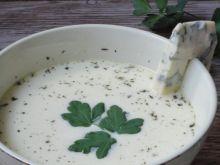 Zupa serowa z tymiankiem i czosnkiem