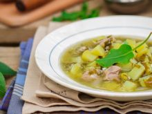 Jak zrobić zupę szczawiową?