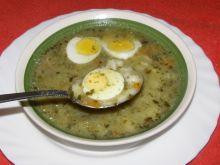 Zupa szczawiowa z makaronem gwiazdki