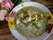 Zupa szczawiowa z pasternakiem