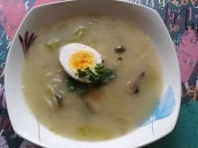 Zupa szparagowa z jajkiem