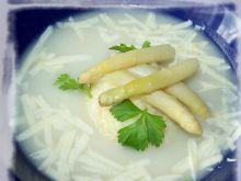 Zupa szparagowa z kaszą jaglaną.