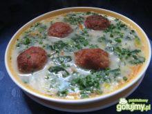 Zupa szpinakowa z pulpecikami