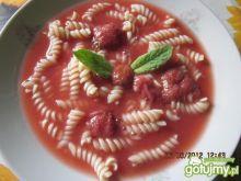 zupa truskawkowa z makaronem