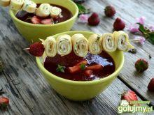 Zupa truskawkowa z naleśnikami
