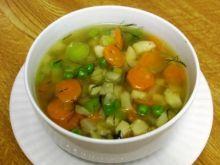 Zupa warzywna z groszkiem i koperkiem
