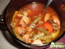 Zupa warzywna z parówką