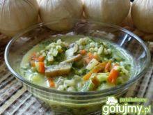Zupa warzywna z pęczakiem