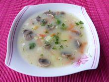 Zupa warzywna z pieczarami