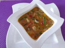 Zupa wielowarzywna z pieczarkami