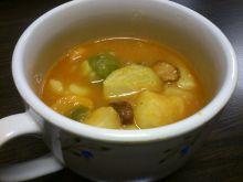 Zupa z brukselką na wędzonym boczku