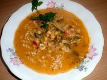 Zupa z ciecierzycą i makaronem