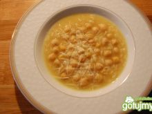Zupa z ciecierzycy z parmezanem