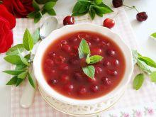 Zupa z czereśni i czerwonego wina