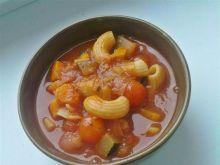 Zupa z dużą ilością warzyw