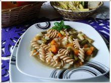 Zupa z dwu kolorowej fasolki szparagowej