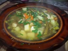 Zupa z fasolką i groszkiem