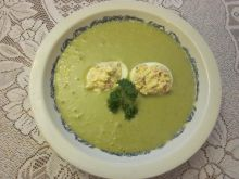 Zupa  z faszerowanymi jajkami