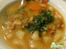 Zupa z kaszą i fasolą
