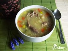 Zupa z kasza jeczmienna na karkówce