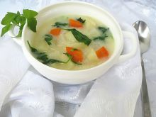 Zupa z komosą i kalarepką