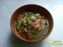 Zupa z kurczakiem i makaronem ryżowym