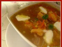 Zupa z łososia i czerwonej soczewicy