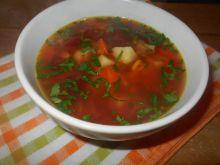 Zupa z marynowanymi buraczkami i kukurydzą