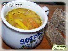 Zupa z młodej dyni i soczewicy.